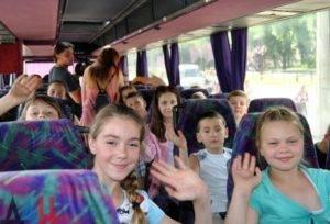 Дети отправляются на отдых в оздоровительный лагерь
