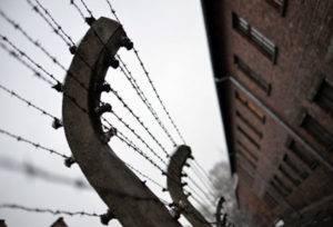 Изображение - Льготы несовершеннолетним узникам фашистских концлагерей maloletnim-uznikam1-300x204