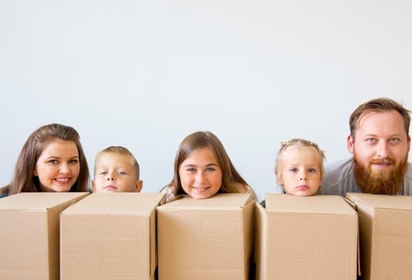 Семья переезжает