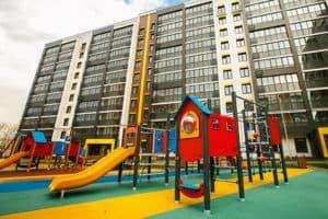Детская площадка у новостройки