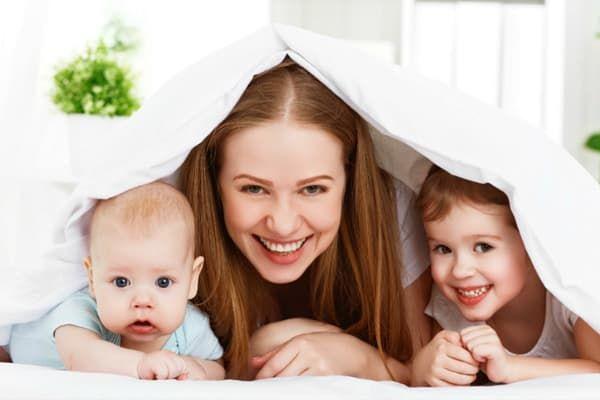 Мама с маленькими детьми